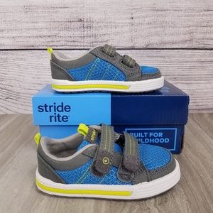 NEW Stride Rite SR-Logan Casual Sneakers Shoes 4.5